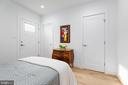 Walk-in closet and on-suite master bath! - 411 MELLON ST SE ##2, WASHINGTON