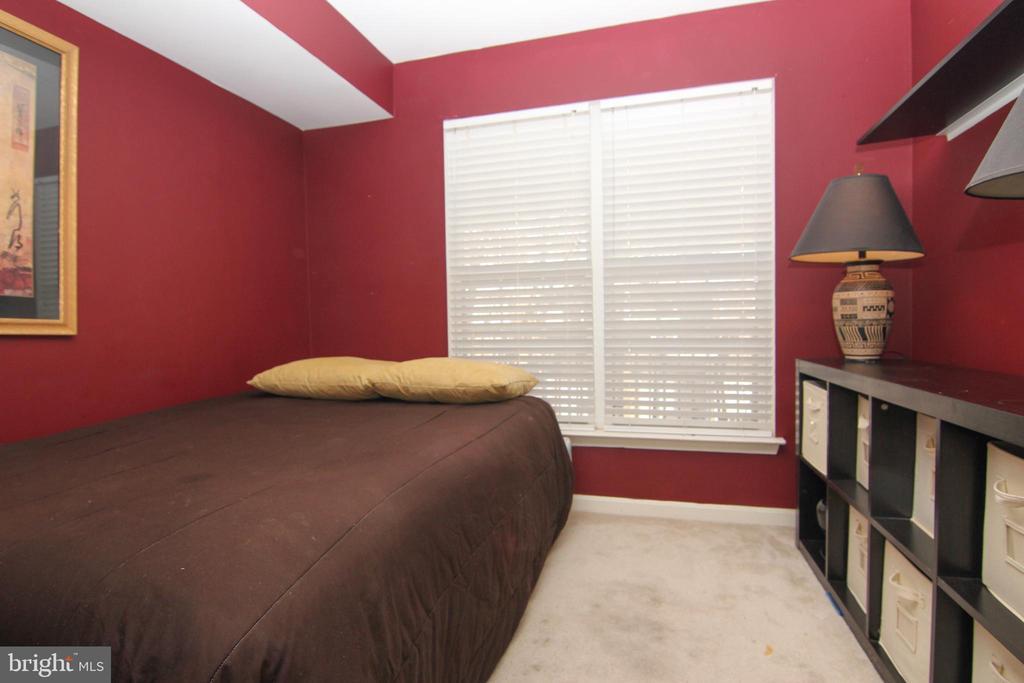 Bedroom 3 - 9812 SPANISH OAK WAY #118, BOWIE
