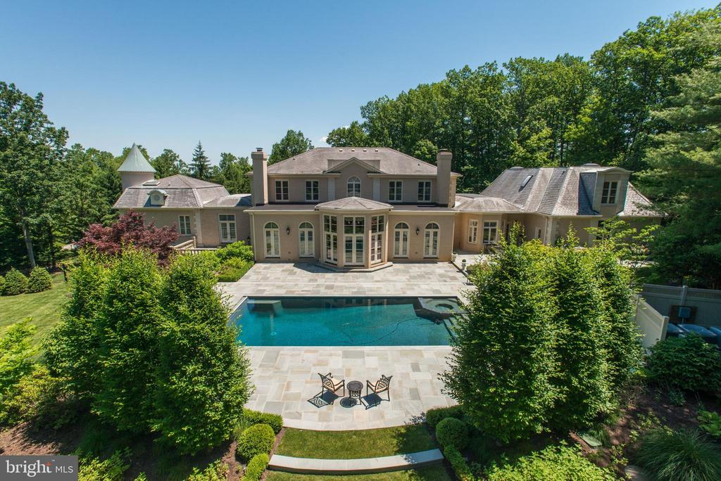 Exterior Rear - Magnificent Estate - 1198 WINDROCK DR, MCLEAN