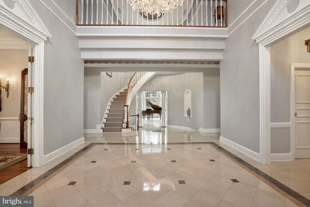 Foyer / Reception Hall - 1198 WINDROCK DR, MCLEAN