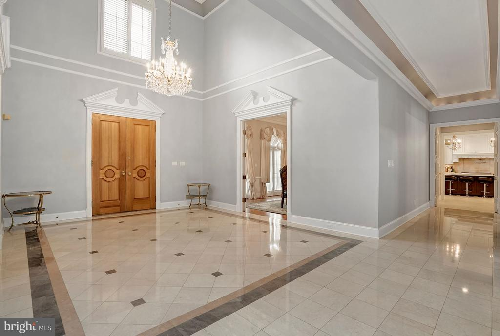 Foyer / Entry - 1198 WINDROCK DR, MCLEAN