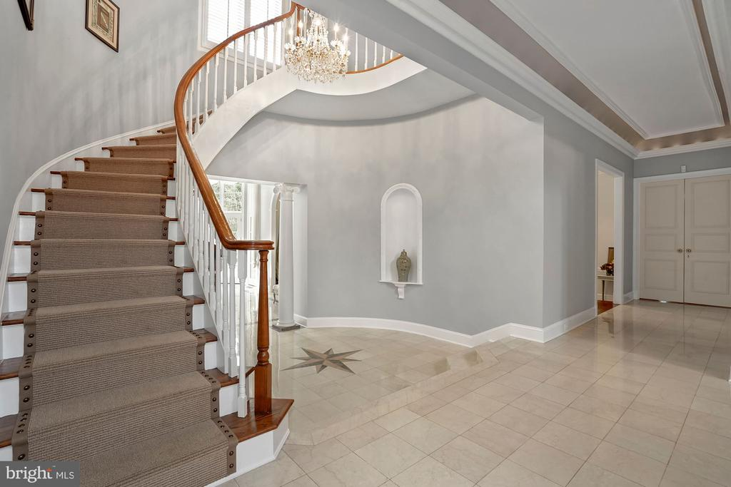 Main Staircase - 1198 WINDROCK DR, MCLEAN