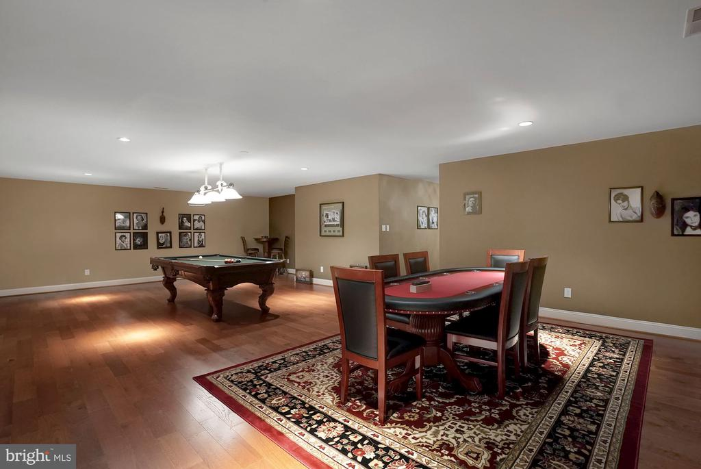 Billiards / Game Room - 1198 WINDROCK DR, MCLEAN