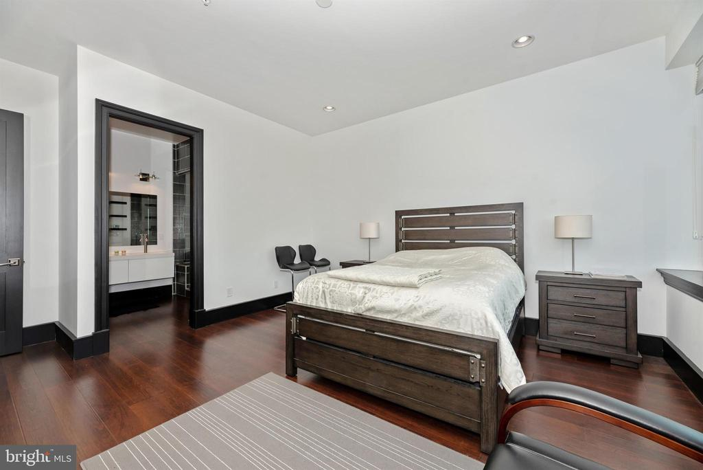 Master bedroom with full private bath. - 50 CITIZENS #504, FREDERICK