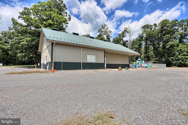 Single Family Homes για την Πώληση στο Mc Alisterville, Πενσιλβανια 17049 Ηνωμένες Πολιτείες