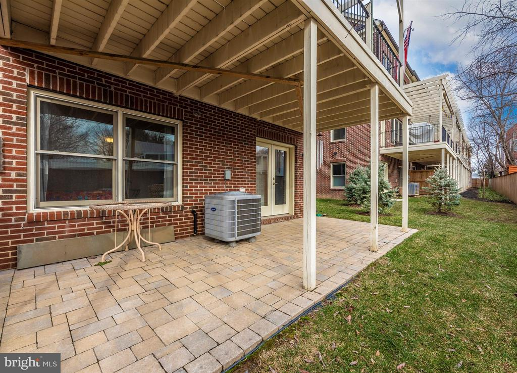 Patio extend to back lawn with privacy fence. - 43 MAXWELL SQ, FREDERICK