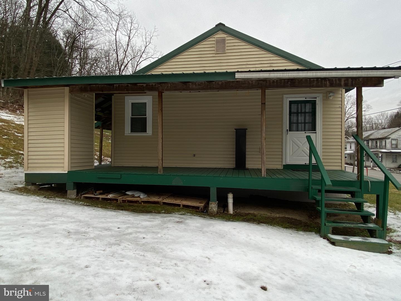 Single Family Homes per Vendita alle ore Waterfall, Pensilvania 16689 Stati Uniti