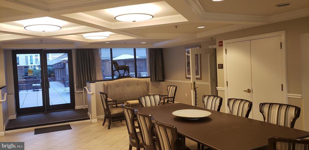 Sitting Area - 1330 MASSACHUSETTS AVE NW #517, WASHINGTON