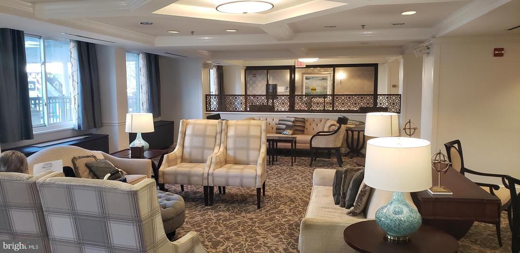 Lobby Sitting Area - 1330 MASSACHUSETTS AVE NW #517, WASHINGTON