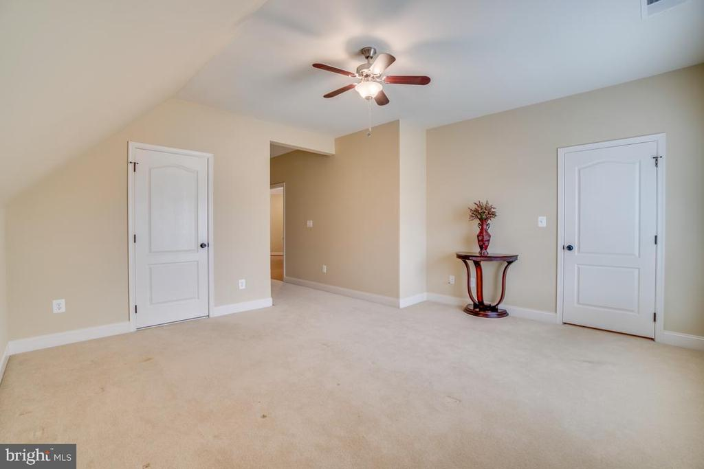 Bedroom 3 - 20190 KIAWAH ISLAND DR, ASHBURN
