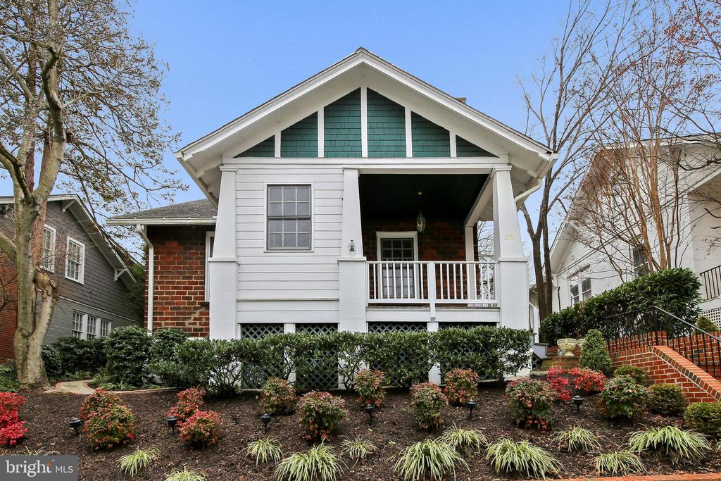 Welcome to 302 Rucker Place! - 302 RUCKER PL, ALEXANDRIA