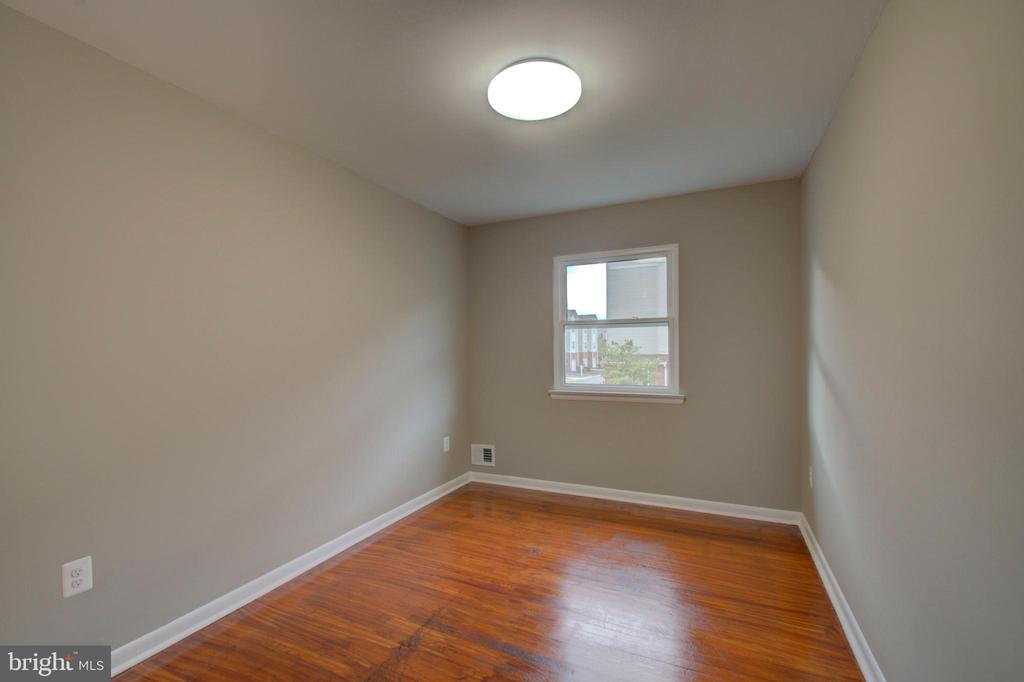 Bedroom #2 - 2947 SUNSET LN, SUITLAND
