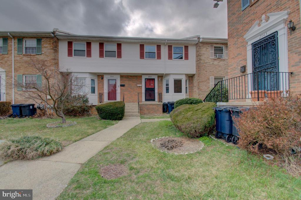 Beautiful Community - 2947 SUNSET LN, SUITLAND