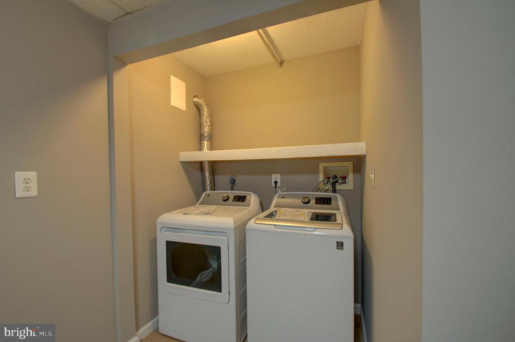 Brand new washer/dryer set - 2947 SUNSET LN, SUITLAND