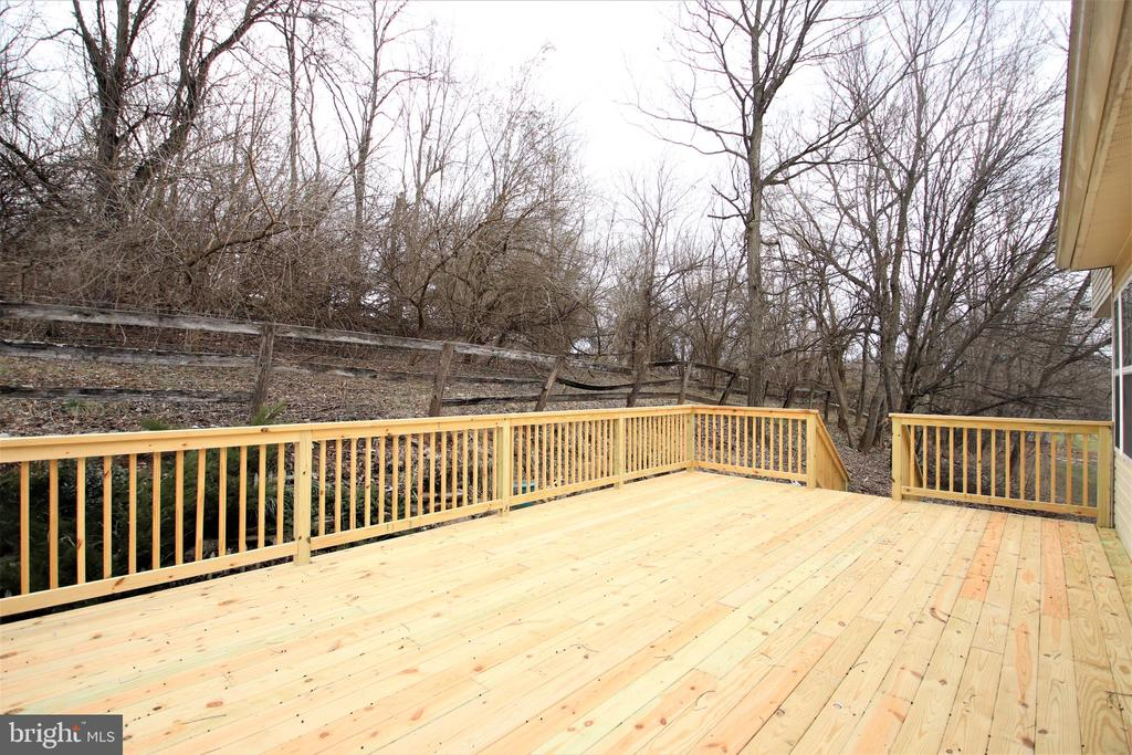 Huge, brand new deck - 1704 MEMORIAL PARK, MARTINSBURG
