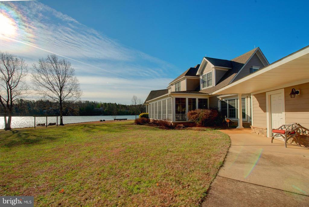 - 4401 SEAY POINT RD, MINERAL