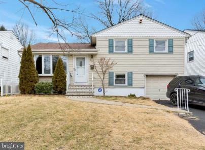 Single Family Homes для того Продажа на Union, Нью-Джерси 07083 Соединенные Штаты