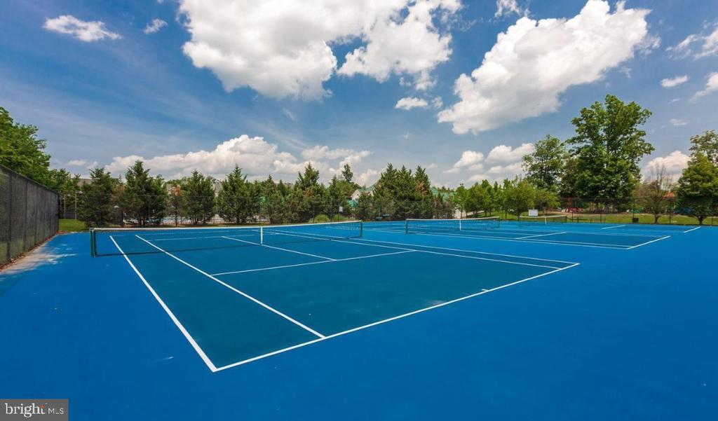 Belmont Country Club Tennis Courts - 20190 KIAWAH ISLAND DR, ASHBURN