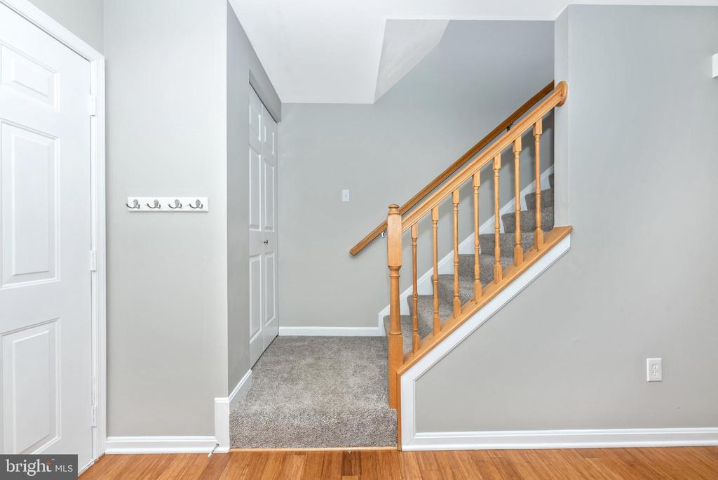 Come on upstairs.... - 7206 PADDOCK CT, NEW MARKET