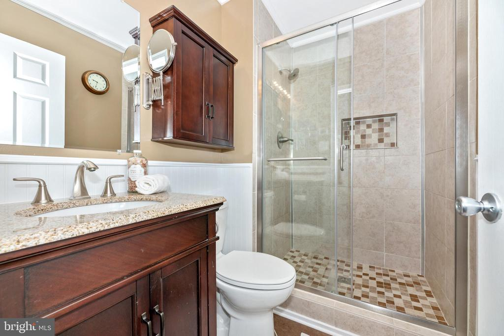 Master, upgraded, bath - 7206 PADDOCK CT, NEW MARKET