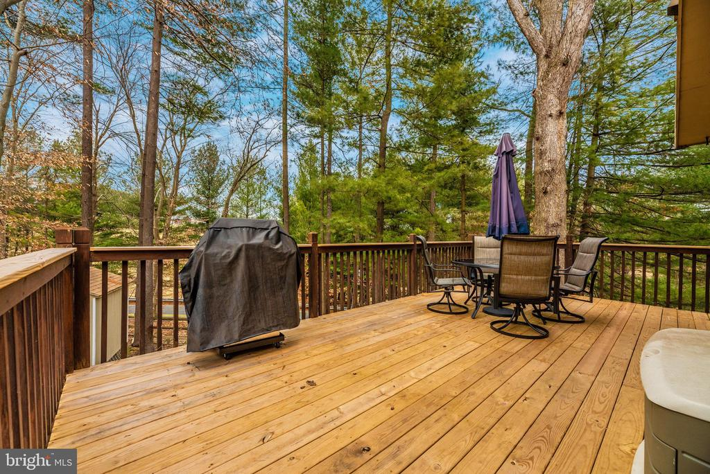 Deck off kitchen surrounded by woods! - 7206 PADDOCK CT, NEW MARKET
