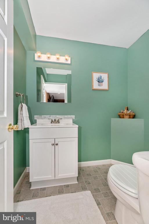 Half bath in basement - 7206 PADDOCK CT, NEW MARKET