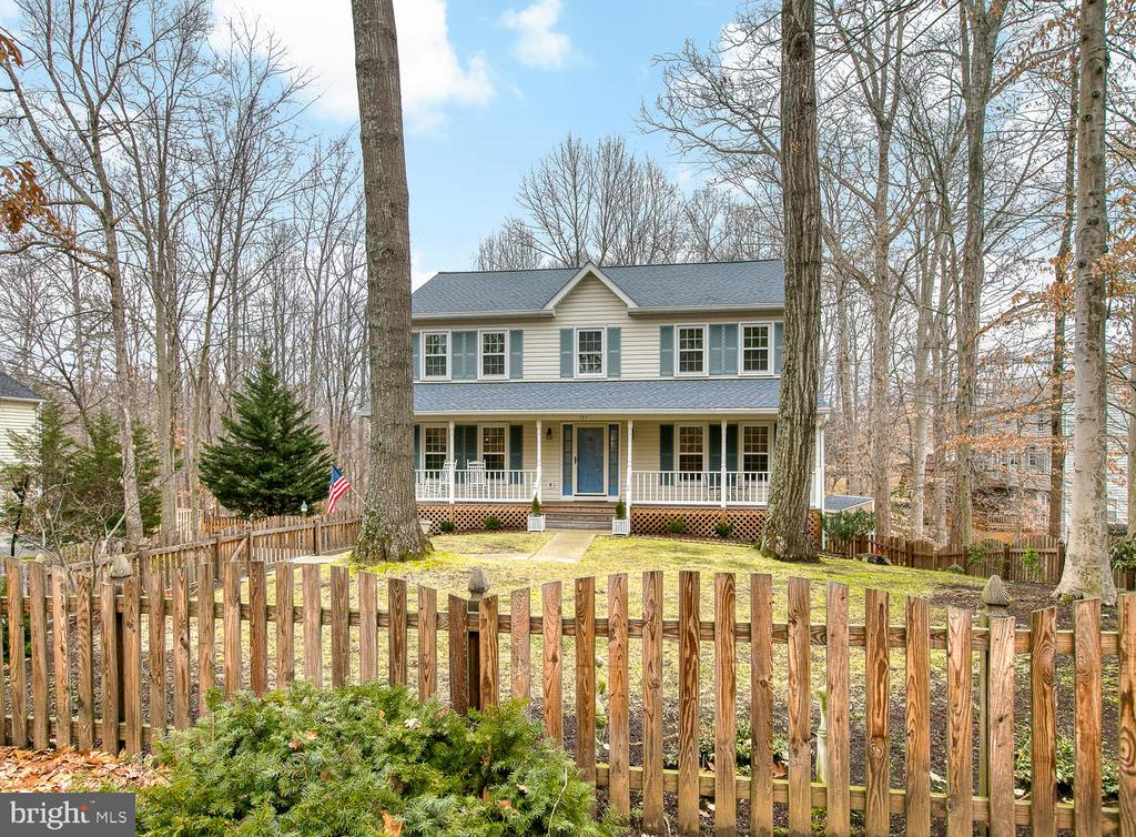 Great curb appeal! - 131 EUSTACE RD, STAFFORD