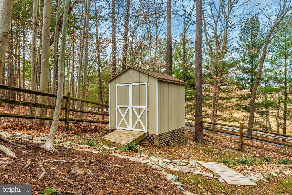 Shed conveys - 7206 PADDOCK CT, NEW MARKET