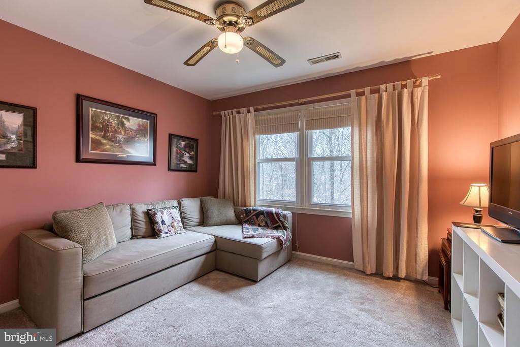 Back corner bedroom - 131 EUSTACE RD, STAFFORD