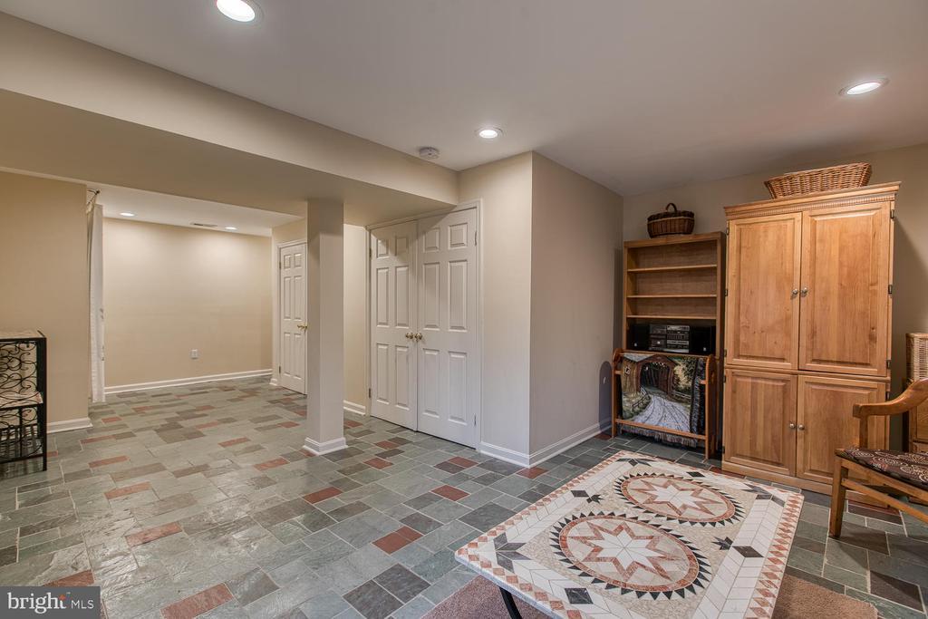 Vermont Slate flooring - 131 EUSTACE RD, STAFFORD