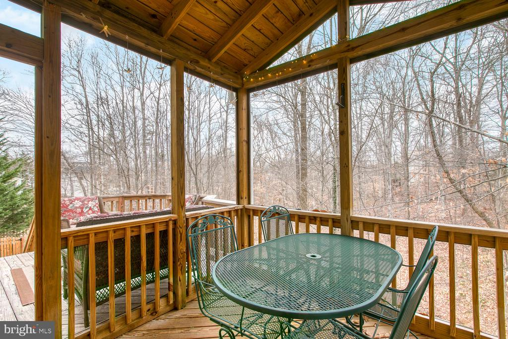 Covered deck - 131 EUSTACE RD, STAFFORD