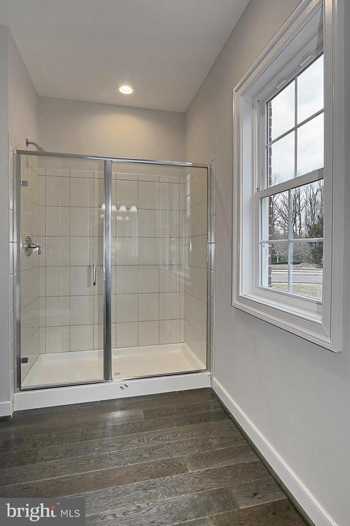 Main level bath - 7423 FOUNDATION WAY, SPRINGFIELD
