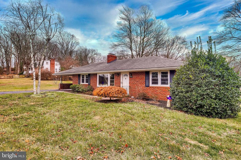 Lovely brick rancher with carport. - 9939 KELLY RD, WALKERSVILLE