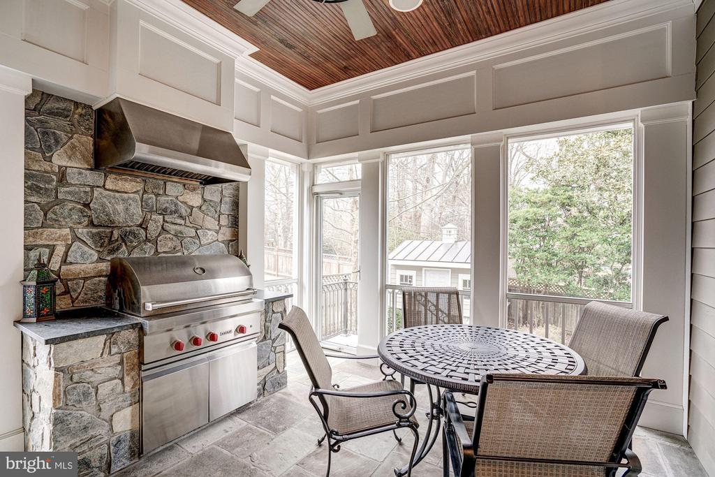 SCREENED PORCH WITH GRILL - 4521 N DITTMAR RD, ARLINGTON