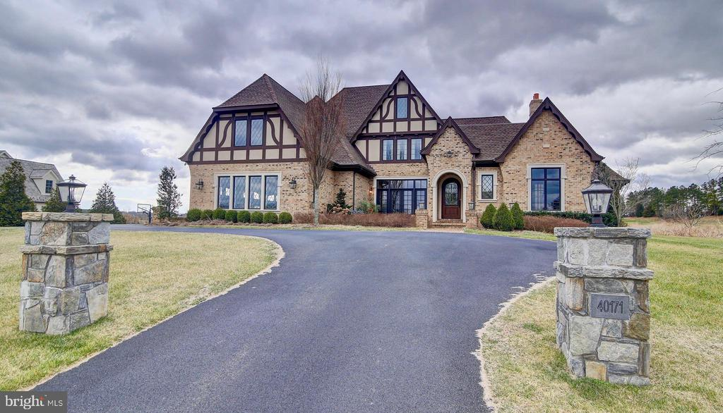 Beautiful Paved Entry - 40171 MONROE VALLEY PL, LEESBURG