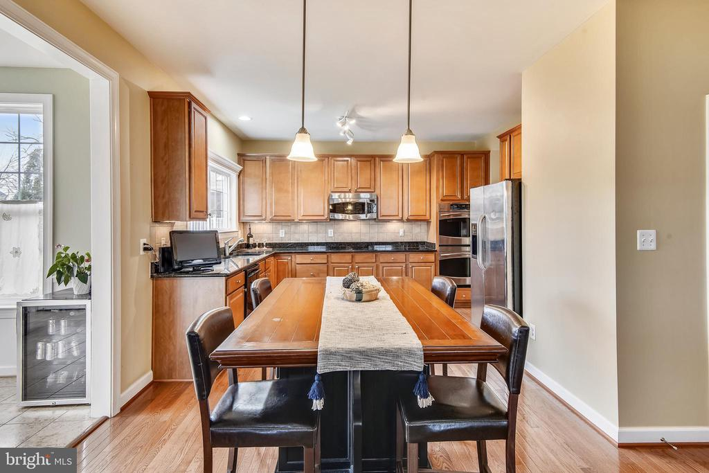 Pendants over informal dining area - 1903 EAMONS WAY, ANNAPOLIS
