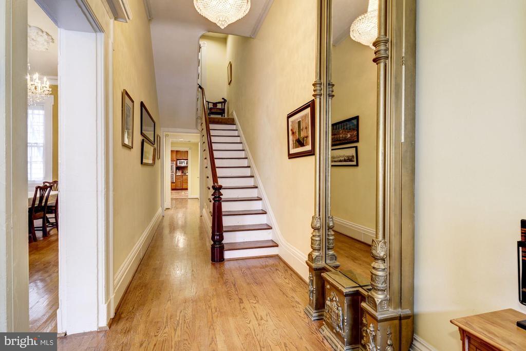 Entrance Foyer - 714 PARK AVE, BALTIMORE