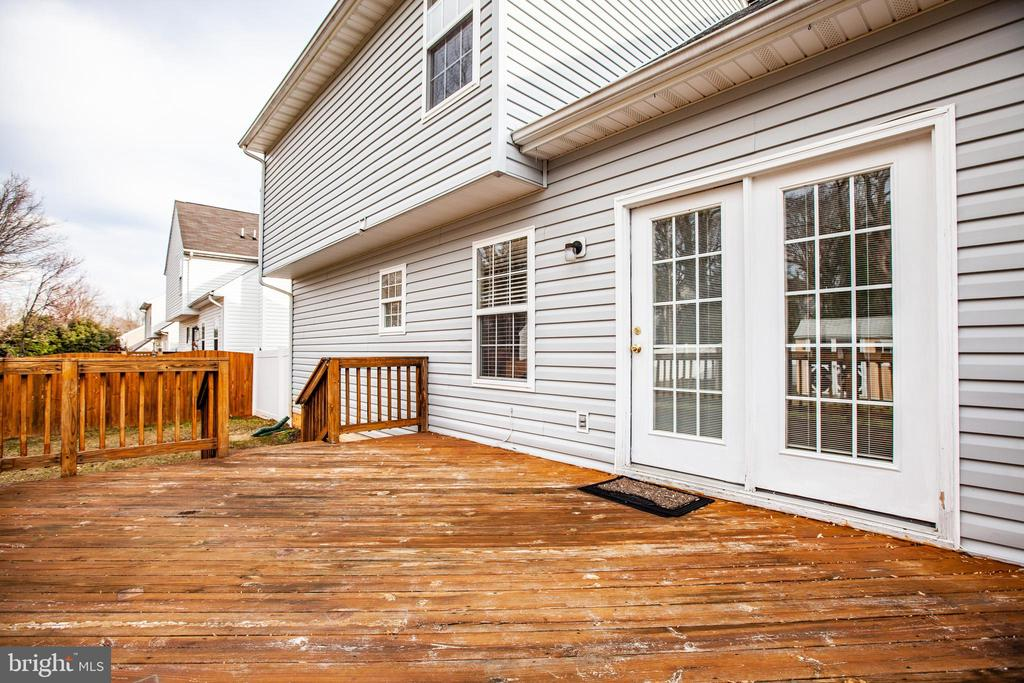FRENCH DOORS FROM DECK TO FAMILY ROOM - 102 PHILLIPS ST, FREDERICKSBURG
