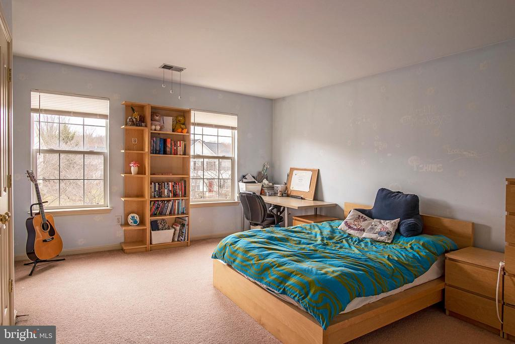 Bedroom 3 with 2 ' extension - 18517 DENHIGH CIR, OLNEY