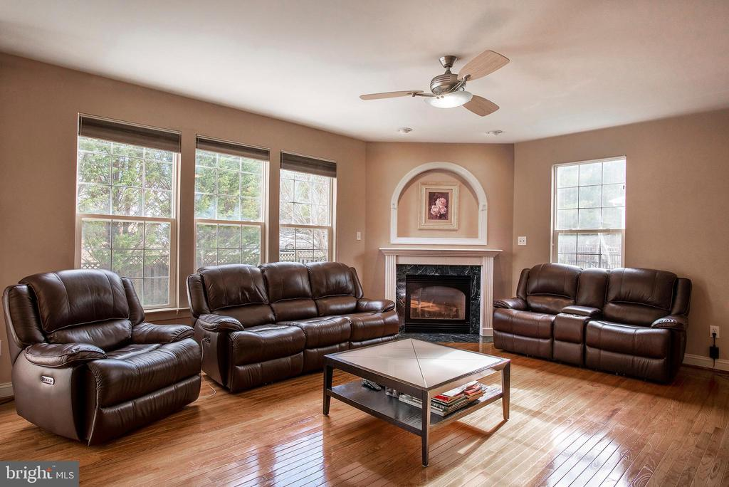 Family room with 4' extension - 18517 DENHIGH CIR, OLNEY