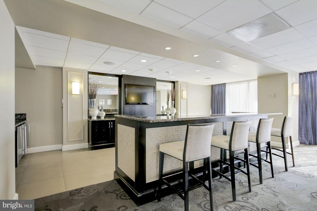 Community Room - 4601 N PARK AVE #809-J, CHEVY CHASE