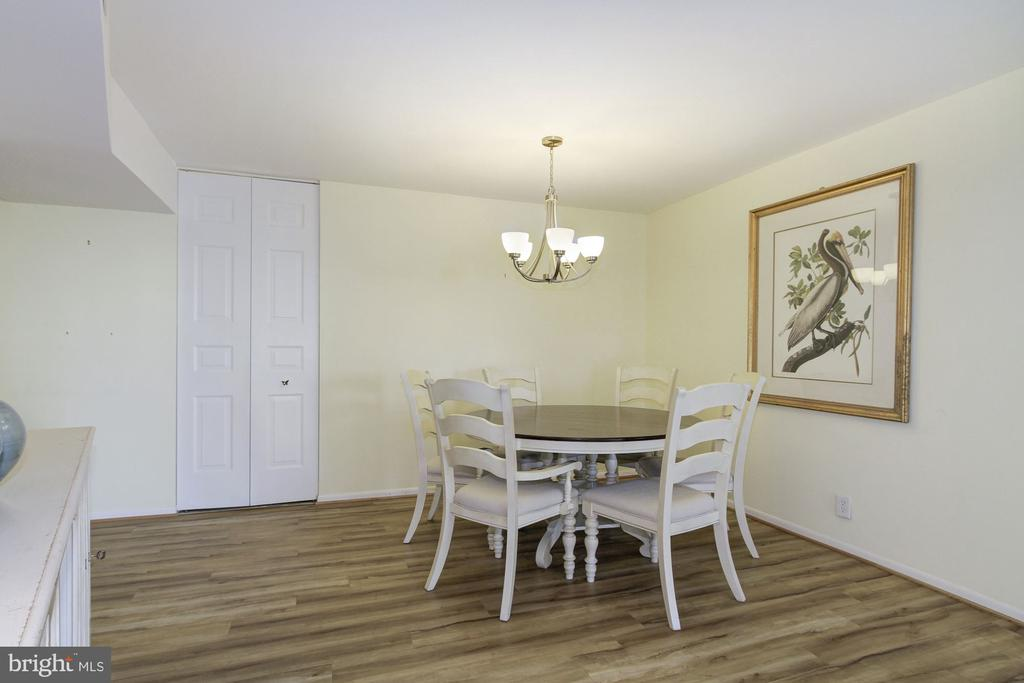 Spacious Dining Area - 4601 N PARK AVE #809-J, CHEVY CHASE