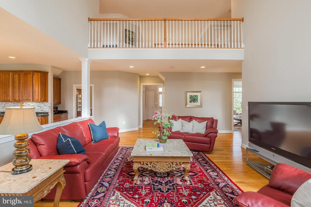 Two Story Family Room - 9321 WEIRICH RD, FAIRFAX