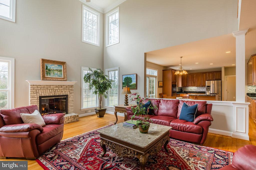 Towering Two Story Family Room - 9321 WEIRICH RD, FAIRFAX