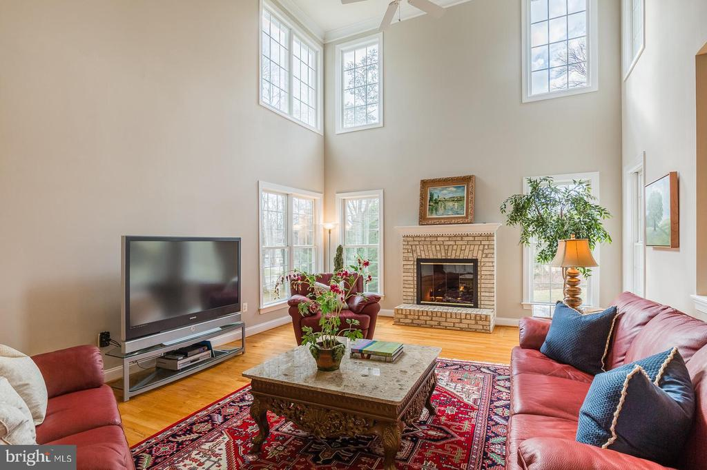 Two Story Family Room W/Brick Gas Fireplace - 9321 WEIRICH RD, FAIRFAX