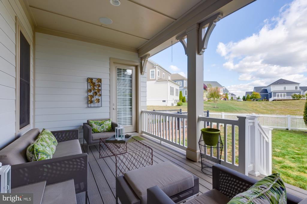 Private access from owner's suite to rear deck - 23734 HEATHER MEWS DR, ASHBURN
