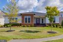 Ranch style living with a modern twist! - 23734 HEATHER MEWS DR, ASHBURN