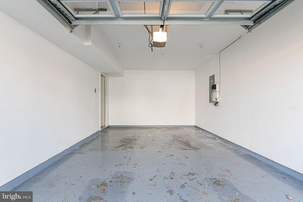 Deep 1 Car Garage - 314 WOLFE ST, FREDERICKSBURG