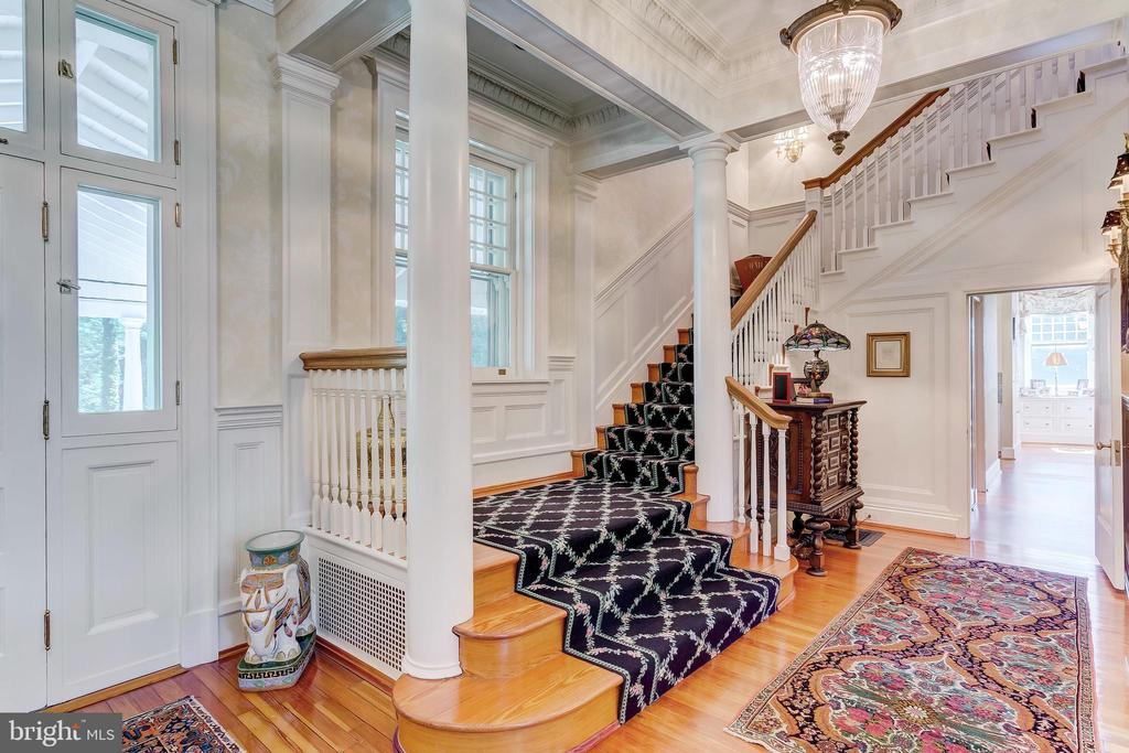 Stair Hall - 7309 BRIGHTSIDE RD, BALTIMORE