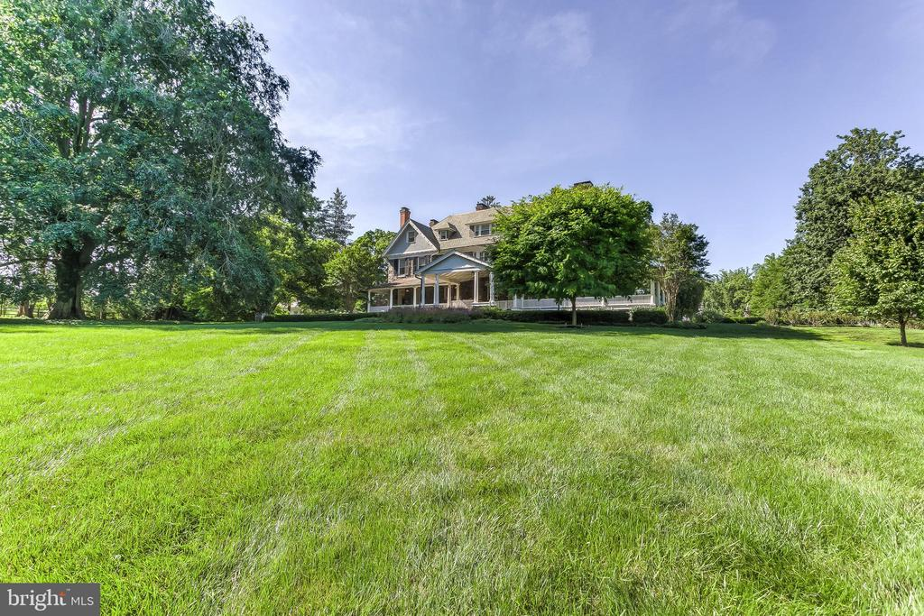Front Lawn - 7309 BRIGHTSIDE RD, BALTIMORE